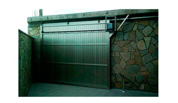 puerta corredera ciega de aluminio