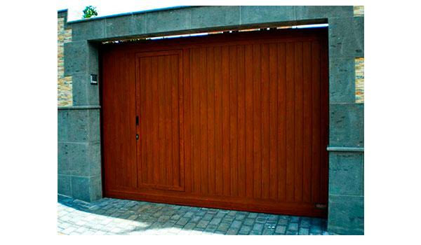 puerta corredera con portón insertado