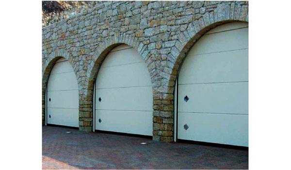 puerta seccional modelo persus