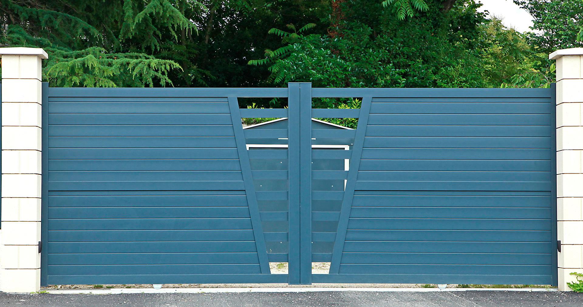 puertas automáticas batientes para residenciales